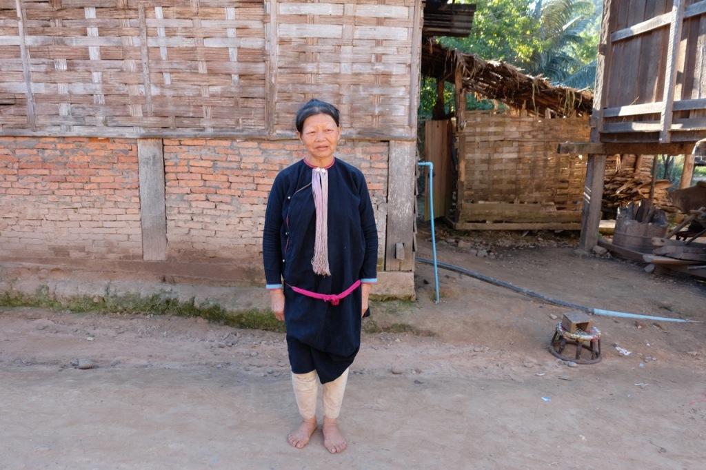 Lanten woman in traditional dress